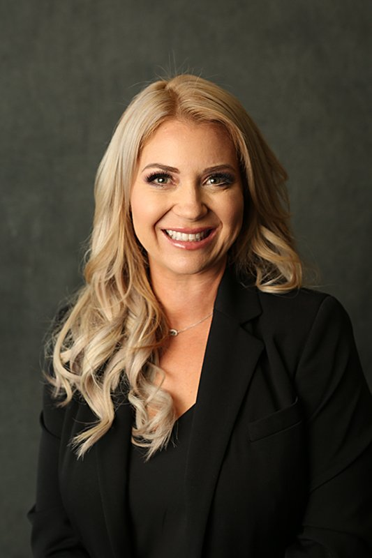 Kristen Holstrom | Assistant Managing Partner, Associate Attorney